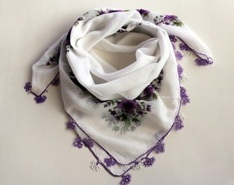 Printed Scarf, Soft Muslin, Lilac, Purple, White, Boho Authentic Scarf, Tatting Lace Trim, Turban Scarf, Lavader Cheesecloth, Bandana, OOAK