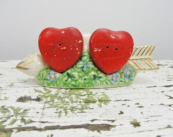 Vintage hearts and arrow salt and pepper shaker set