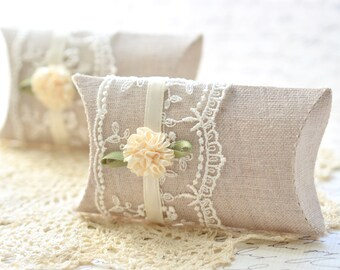 Set of 2 Cottage Style Pillow Gift Boxes
