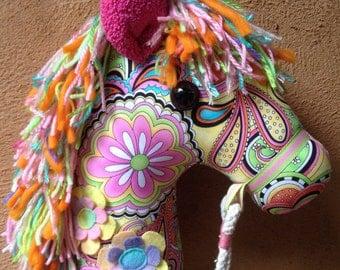 KELLYANA - Hobby Horse