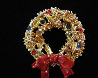 ART Signed White Christmas Wreath Brooch