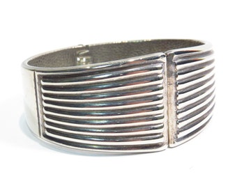 Silver Plated Mod Wide Band Cuff Bracelet Vintage 1970s 1980s Retro Clamper Bracelet - FREE Domestic Shipping