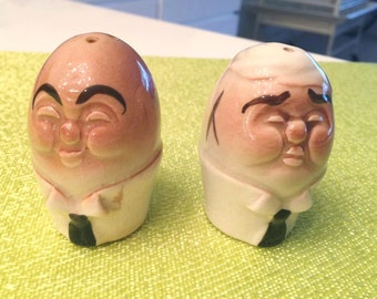 Adorable Vintage 40's - 50's era Post War made in Japan Humpty Dumpty Anthropomorphic Egg Salt and Pepper Shakers
