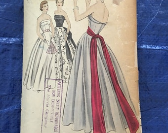 1940s Vogue Evening Gown Special Design S - 4007 size 14   Bust 32     Complete  unprinted Pattern