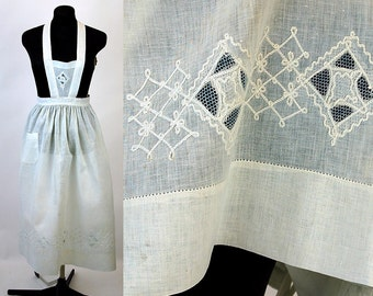 Edwardian linen apron fancy apron crocheted trim open work servants apron
