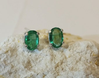 Emerald Stud Earrings * Sterling Silver * 0.80 Total CTs * Genuine Gemstone May Birthstone Jewelry * Dainty Amazingly Clean * Tejidos