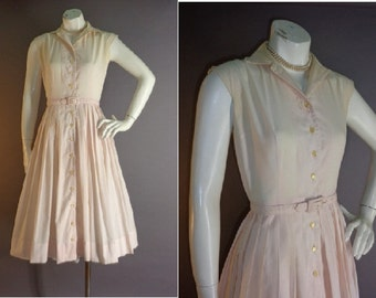 50s dress 1950s vintage PINK PLEAT BUTTON detailed cotton full skirt dress