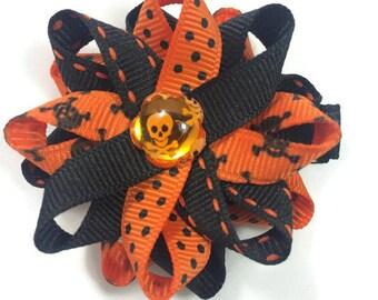 Halloween Hair Bow, Skulls Hair Bow, Handmade Hair Bow, Black & Orange Hair Bow, No Slip Hair Bow, 2.5 Hair Bow, Made To Order