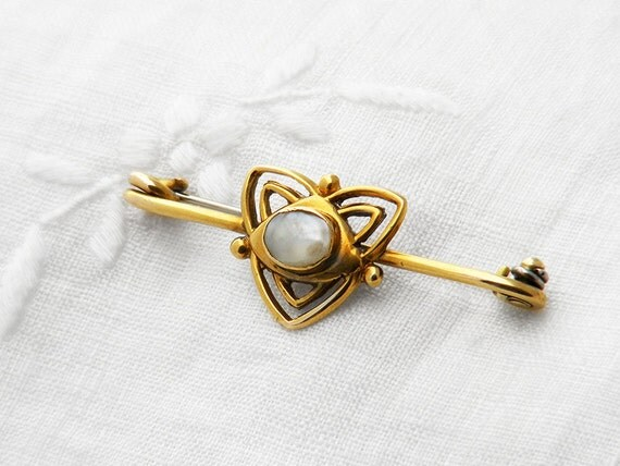 Edwardian Gold Brooch |  1905 Antique Mabe Pearl Brooch | English Gold Hallmarks 9ct Solid Gold & Blister Pearl Pin, Art Nouveau Bridal Gift