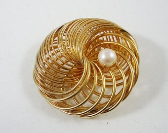Faux Pearl Wire Nest Brooch Pin Vintage Costume