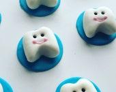 Fondant teeth/tooth cupca...