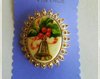 Vintage Holiday Bell Brooch/ Christmas Bells are Ringing