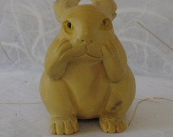 Vintage  Netsuke  Carved  Boxwood Rabbit