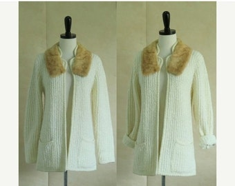 Vintage Cardigan 1970s Sweater 70s Cardigan Fur Collar Sweater Holiday Sweater Womens Ivory Cream Off White Cardigan Sweater Small Medium