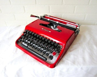 Cherry Red Olivetti Lettera 22 Vintage Typewriter - Eva - Professionally Serviced