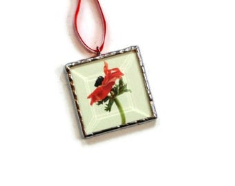 Spring flower ornament, stained glass, red poppy flower photography, red flower, picture ornament, tree trimming, mini wall art