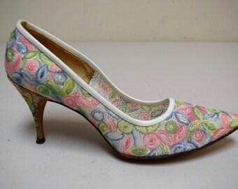 Vintage 50s EVANS/I MAGNIN Embroidered Floral Mesh Spike Heel Pumps Size 7 1/2 A EUC