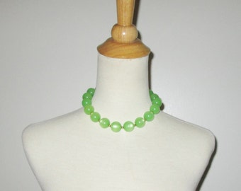 Vintage 1950s 1960s Moonglow Necklace/50s 60s Lucite Necklace/50s 60s Green Lucite Necklace/50s 60s Ball Choker Necklace