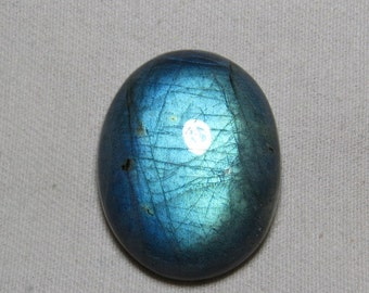 New Madagascar - High Quality LABRADORITE - Oval Shape Cabochon Huge size - 25x32 mm Gorgeous Blue Fire only