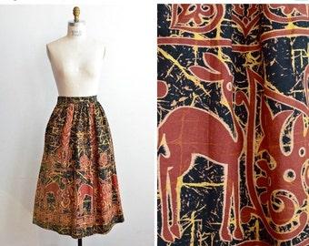 30% OFF STOREWIDE / SALE / Vintage 1950s printed Circle skirt