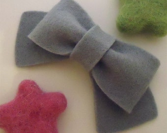 Felt hair clip -No slip -Wool felt -Classic bow -grey (pick size and colour)