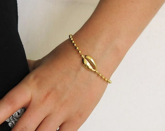 cowrie bracelet, gold cowrie bracelet, cowrie shell bracelet, gold bracelet, men's bracelet, layering bracelet, stackable bracelet