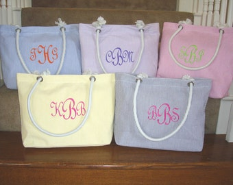Wholesale Priced Monogrammed Seersucker Beach Bag, Bridesmaid Gift, Flower Girl Gift, Or Chevron Beach Bag, Bridesmaid Tote, Bridesmaid Bag