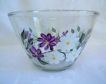 Serving bowl, hand painted bowl, serving bowl with flowers, kitchen bowl, bowl with daisies