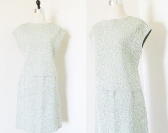 40% OFF SALE Vintage 1960's Two Piece Ladies Dress Set / Skirt and Blouse Pastel Sage Green Polyester Sleeveless Outfit Size Medium