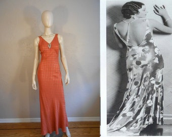 Thirteen Women  - Vintage 1930s Pumpkin & Silver Metallic Rayon Dress w/Plunge Back Button Detail - 4/6