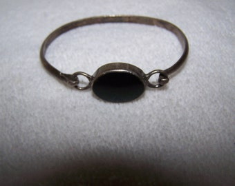 Mexico Sterling Silver with Onyx Hook Bangle Bracelet