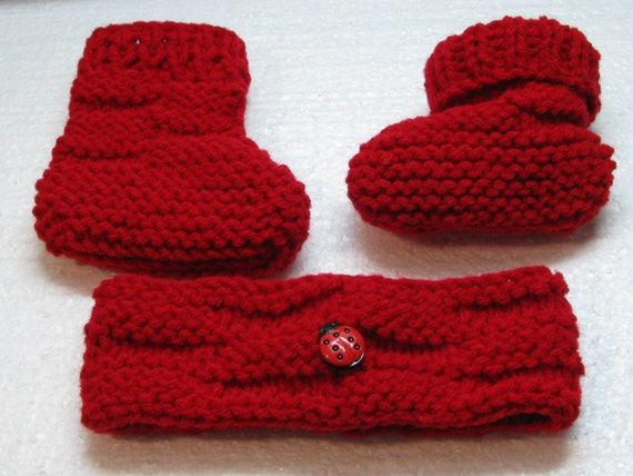 Knitting Ladybug Ladybird Headband : Hand knit baby booties with headband red lady bug