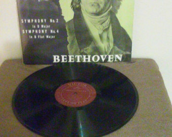 Beethoven Toscanini vinyl record - Played by great conductors  - Original 1954 - Vintage Vinyl record LP in Excellent Plus Condition