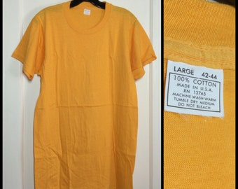 Vintage Deadstock 1960's Plain Blank Tee T-shirt size Large Yellow All Cotton NOS 17.5x28.5 made in USA, looks small