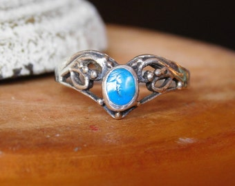 Southwestern Style Ladies Ring with Turquoise Size 8.5