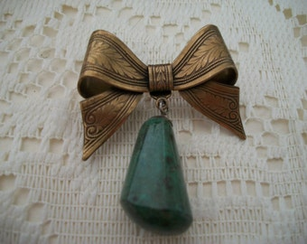 Sadie Green Etched Bow with Dangle Brooch Pin