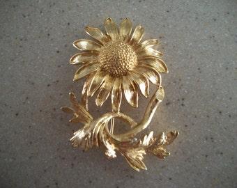 Monet Goldtone Sunflower Brooch/Pin