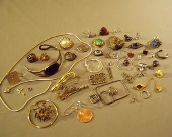 Vintage Lot Sterling Silver Scrap Single Earrings Pins Broken Pieces 137 Grams  8772