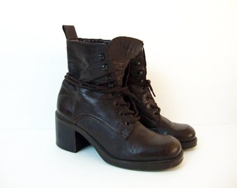 Size 5 Choco Brown Leather Heeled Lace up Military GRUNGE Ankle Boots by NINE WEST 90s Shoes