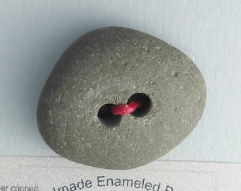 Maine Beach Stone Button  2016 B-147