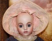 Doll hats old Charming vintage velvet and flocked old
