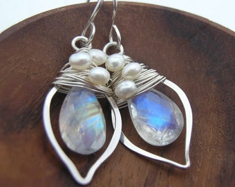 Moonstone Woven Pearl Little Leaf Earrings