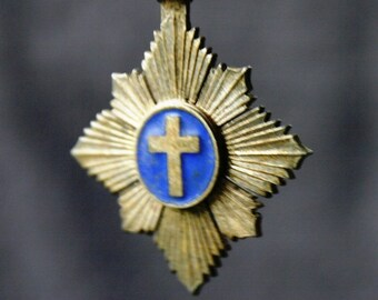 Vintage cross and enamel medal pendant. Crucifix souvenir. Jewelry making antique supply.
