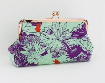 the Summer Lotus Bridesmaids Frame Clutch / Green Wedding Clutch Purse / Gift for Wedding - the Emma Style Clutch