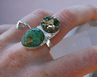 Turquoise & Pyrite Cluster Crystal Sterling Silver Ring - Size 6/7