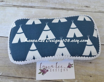 READY TO SHIP White TeePees on Navy Blue Boutique Style Travel Wipe Case Nappy, Personalized Wipe Case, Wet Wipe Case, DIaper Wipe Case