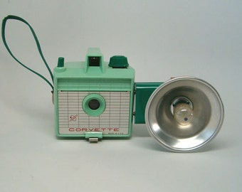 EXTREMELY RARE Green Imperial CORVETTE Camera Working Vintage Camera & Flash