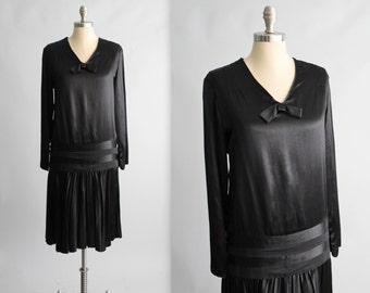 20's Satin Dress // Vintage 1920's Black Satin Dropped Waist Evening Dress M L