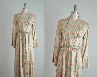 STOREWIDE SALE 50's Brocade Robe // Vintage 1950's Elegant Scenic Brocade Full Length Dressing Gown Robe M