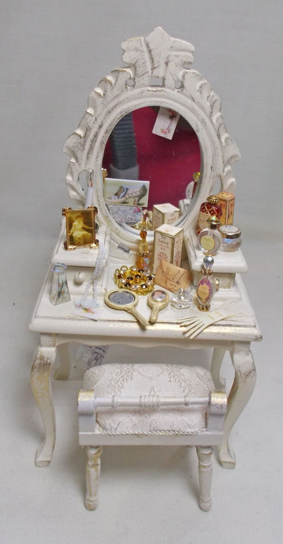 Dressing Table Chairs And Stools: Ladies Filled Dressing Table And Matching Stool